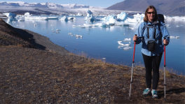 Sandra Passchier with hiking poles in an icy climate