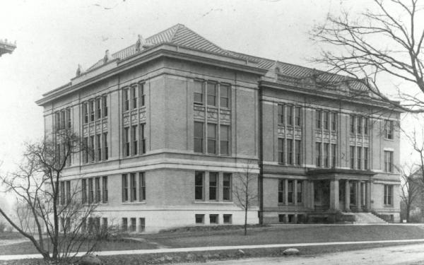 Black and White photo of Mendenhall Laboratory
