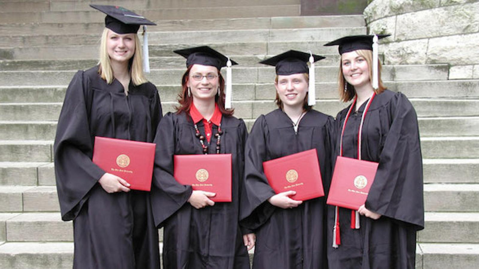 Earth Science B.S. graduates in front of Orton Hall